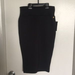 Thalina sodi black skirt size XS